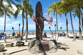 Duke kahanamoke statue waikiki beach — Stock Photo