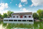 El lago en el edificio, casa, en suzhou, china — Foto de Stock