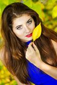 Retrato de uma jovem morena muito bonita — Foto Stock