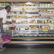 Man doing grocery shopping — Stock Photo #13228486