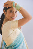Indian woman in traditional clothing — Stock Photo