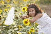 Young girl with butterfly net — Stock Photo