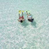 Couple snorkeling — Stock Photo
