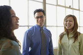 Businesspeople talking — Stock Photo