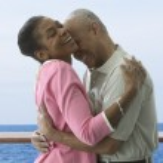 Couple hugging on cruise ship — Stock Photo