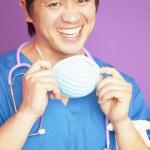 Ritratto di medico maschio in scrubs — Foto Stock