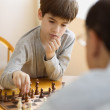 Father and son playing chess — Foto Stock