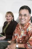 Retrato de casal no avião — Foto Stock