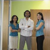 Grupa współpracowników w biurze — Zdjęcie stockowe