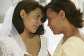 Mother and daughter on wedding day — Stock Photo