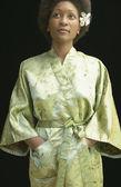 Mujer con vestido tunica — Foto de Stock