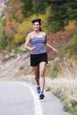 Athlète féminine de jogging — Photo