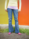 Woman wearing jeans and pumps — Stock Photo