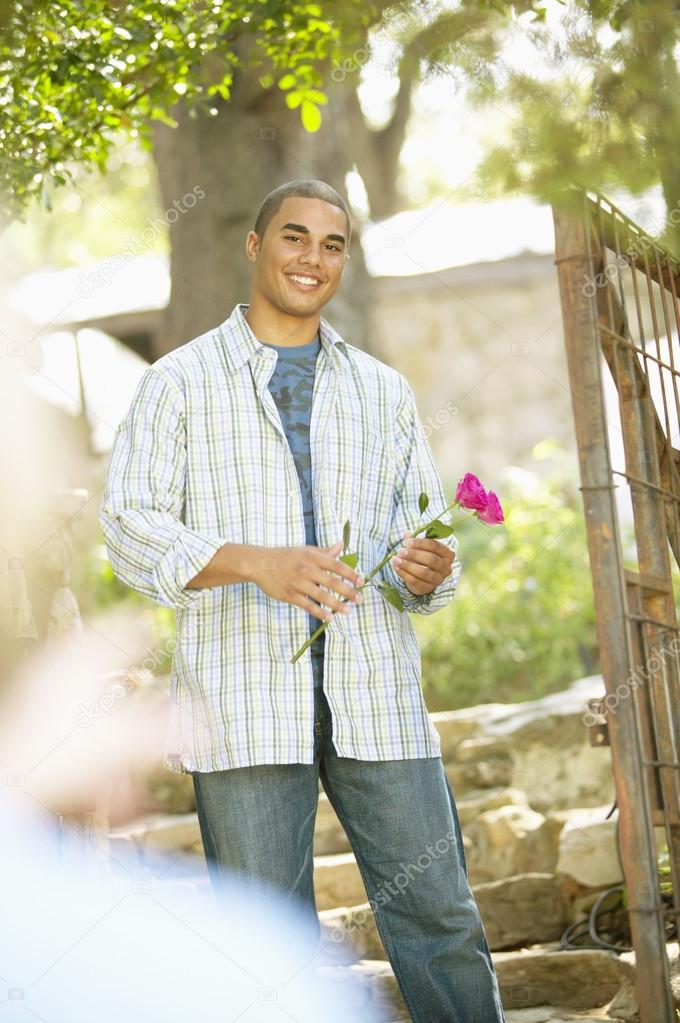 Man holding roses — Stock Photo #13233003