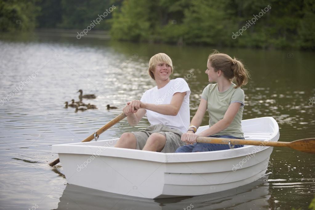 мы плавали на лодке