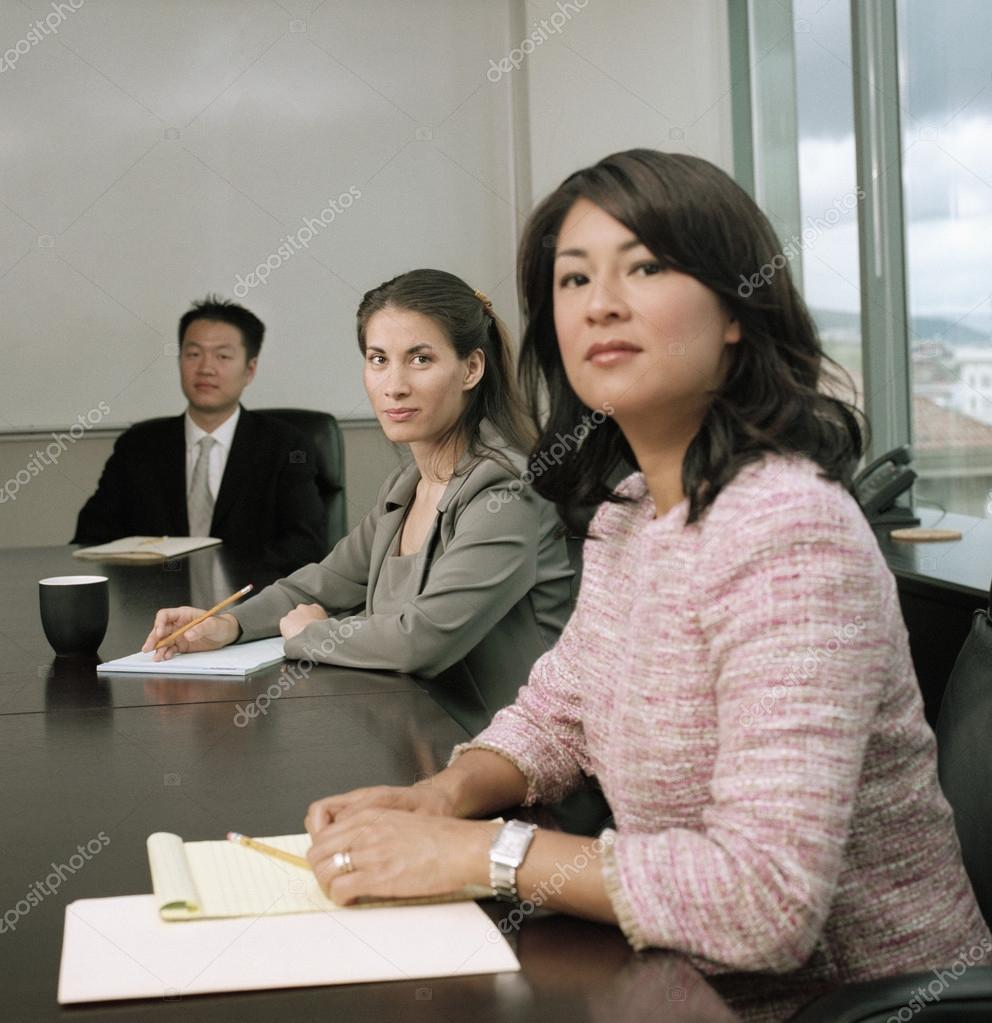 Businesspeople in a meeting — Stock Photo #13238703