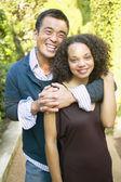 Retrato de pareja abrazándose — Foto de Stock