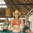 Portrait of women playing pool - Foto Stock