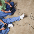 Two children playing video games — Stock Photo