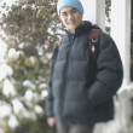 tonårspojke en vinterdag — Stockfoto