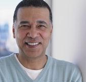 Close-up do homem africano sorrindo — Foto Stock