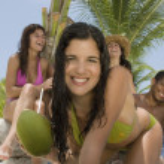 Multi-ethnic friends at beach — Stock Photo