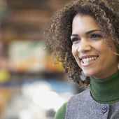 African woman with curly hair — Stock Photo
