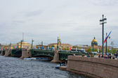 Movable bridges on the River Neva. St. Petersburg. Russia. — Stock Photo
