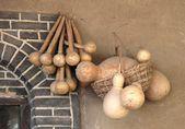 παράξενο κολοκύνθη και μπαμπού καλάθια, uighur καθημερινές ανάγκες — Φωτογραφία Αρχείου