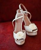 Brudkläder skor — Stockfoto