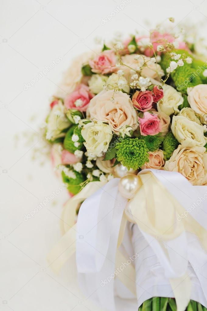 Bridal Bouquet from pink and white roses — Stock Photo #13195846