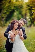 Manželský pár, který zahrnuje — Stock fotografie