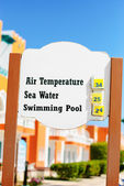 Air and Water Temperature Sign — Stock Photo