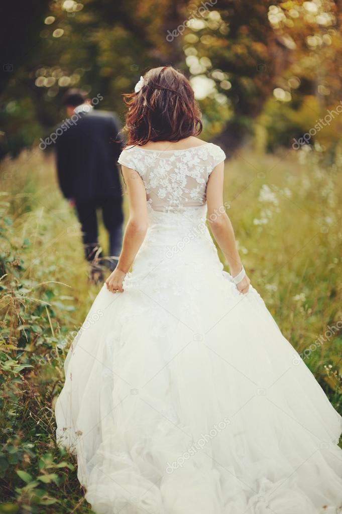 фото невесты сзади