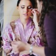 Beautiful Brunette bride is getting ready — Stock Photo