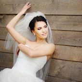 Gorgeous bride outdoor — Stock Photo