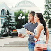 Young couple of travelers — Stock Photo