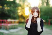 Moça bonita lá fora. — Foto Stock