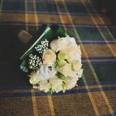 Wedding bouquet on table — Stock Photo