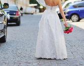 Gorgeous bride in beautiful dress. — Stock Photo