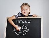 Uśmiechający się ładny uczennice rysunek — Zdjęcie stockowe