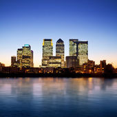 Canary Wharf at twilight — Stok fotoğraf
