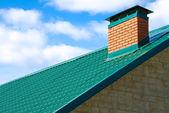 Pipa en el techo — Foto de Stock