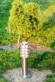 Lanterna no jardim — Foto Stock