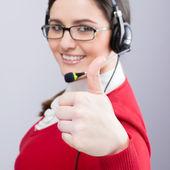 положительный оператор улыбается — Стоковое фото