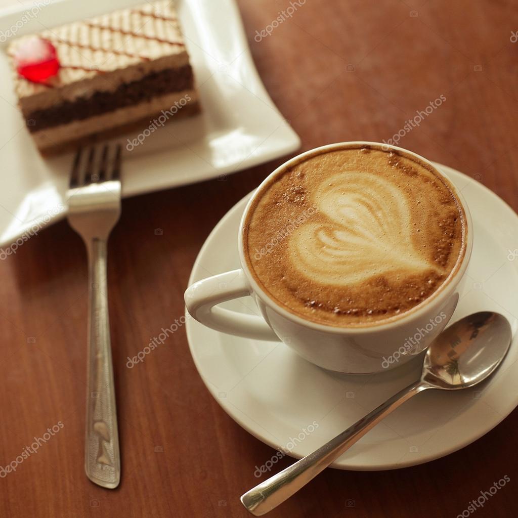 Cake Artist Cafe Facebook : muito cafe, coracao, desenho em latte art cafe, bolo de ...