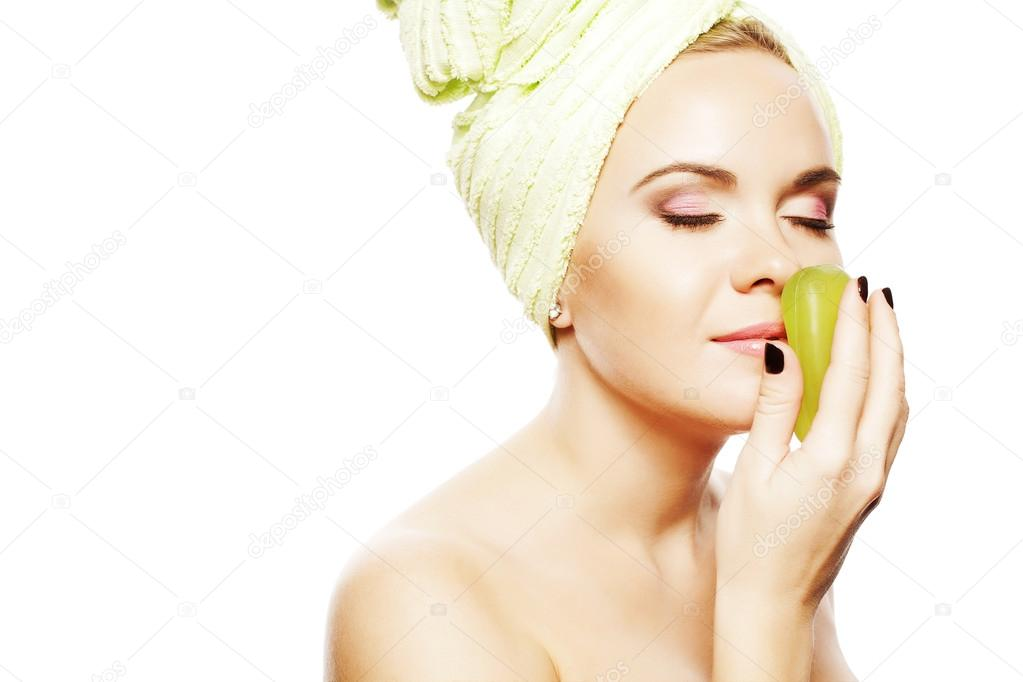 Spa Woman. Beautiful Girl With Ginger Hair After Bath Touching Smelling Green Soap. Perfect Skin. Skincare. Young Skin. Studio Shot — Stock Photo #16209815