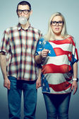 Funny pregnancy concept: portrait of two hipsters (husband and w — Stock Photo