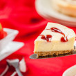 Strawberry Cheesecake Slice with Strawberries — Stock Photo