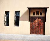 Eski kapı ve pencereler — Stok fotoğraf